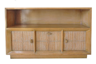 FRN720: Valebreoa Low Cabinet with Shelf