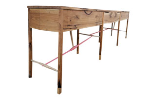 FRN751: Arrow Console with Pink Details