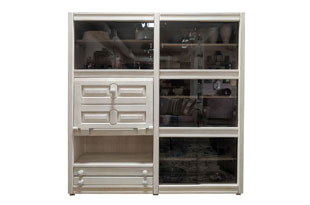 FRN798: Guillerme & Chambron Oak Cabinet with Glass