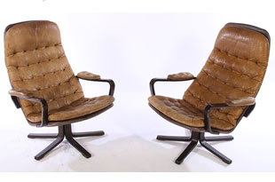 FRN642: Pair of Mid Century Swivel Chairs