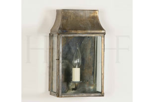 : Hector Finch Strathmore Wall Lantern
