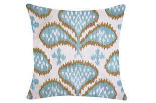 PIL343: Diodba Light Blue Three Petal Pillow